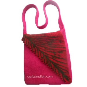 http://craftsandfelt.com/179-471-thickbox/cutting-folding-felt-bag.jpg