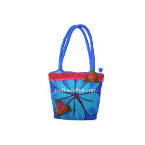 http://craftsandfelt.com/18-478-thickbox/wholesale-felt-bag.jpg