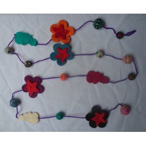 http://craftsandfelt.com/223-292-thickbox/felt-necklace.jpg