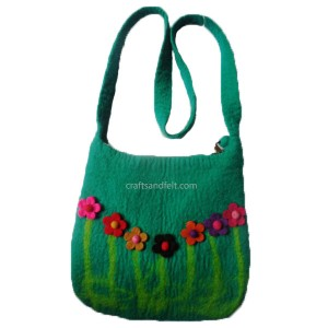 http://craftsandfelt.com/234-448-thickbox/handmade-felt-bag.jpg