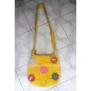 http://craftsandfelt.com/283-456-thickbox/wholesale-felt-bag.jpg