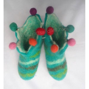 http://craftsandfelt.com/302-999-thickbox/felt-strip-shoes.jpg
