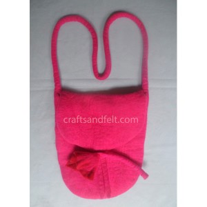 http://craftsandfelt.com/312-462-thickbox/wholesale-felt-bag.jpg