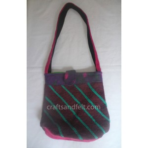 http://craftsandfelt.com/315-465-thickbox/wholesale-wool-felt-bag.jpg