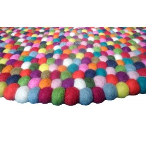 http://craftsandfelt.com/385-1094-thickbox/90cm-multicolored-round-felt-ball-rug.jpg
