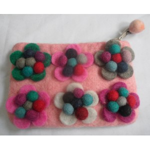 http://craftsandfelt.com/420-611-thickbox/felt-ball-flower-purse.jpg