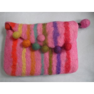 http://craftsandfelt.com/429-621-thickbox/felt-coin-purse.jpg
