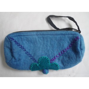 http://craftsandfelt.com/433-635-thickbox/handmade-felt-pencil-case-purse.jpg