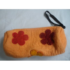 http://craftsandfelt.com/438-630-thickbox/handmade-pencil-case-purse.jpg
