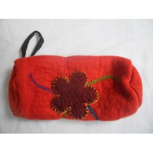 http://craftsandfelt.com/439-631-thickbox/handmade-felt-pencil-case-purse.jpg