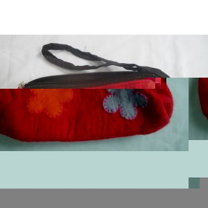 http://craftsandfelt.com/440-632-thickbox/handmade-felt-pencil-case-purse.jpg