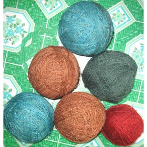 http://craftsandfelt.com/51-89-thickbox/wholesale-hemp-yarn.jpg