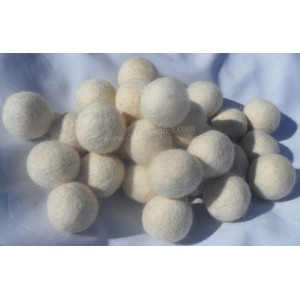 http://craftsandfelt.com/697-950-thickbox/1000piece-15cm-white-color-felt-balls.jpg
