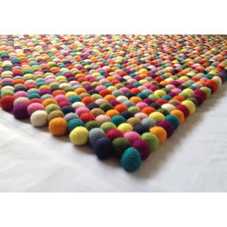 200cm x 150cm Rectangular Felt Ball Rug