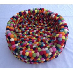Felt Ball Freckle Dog Bed