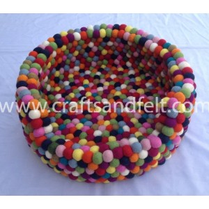 http://craftsandfelt.com/742-1178-thickbox/felt-ball-freckle-dog-bed.jpg